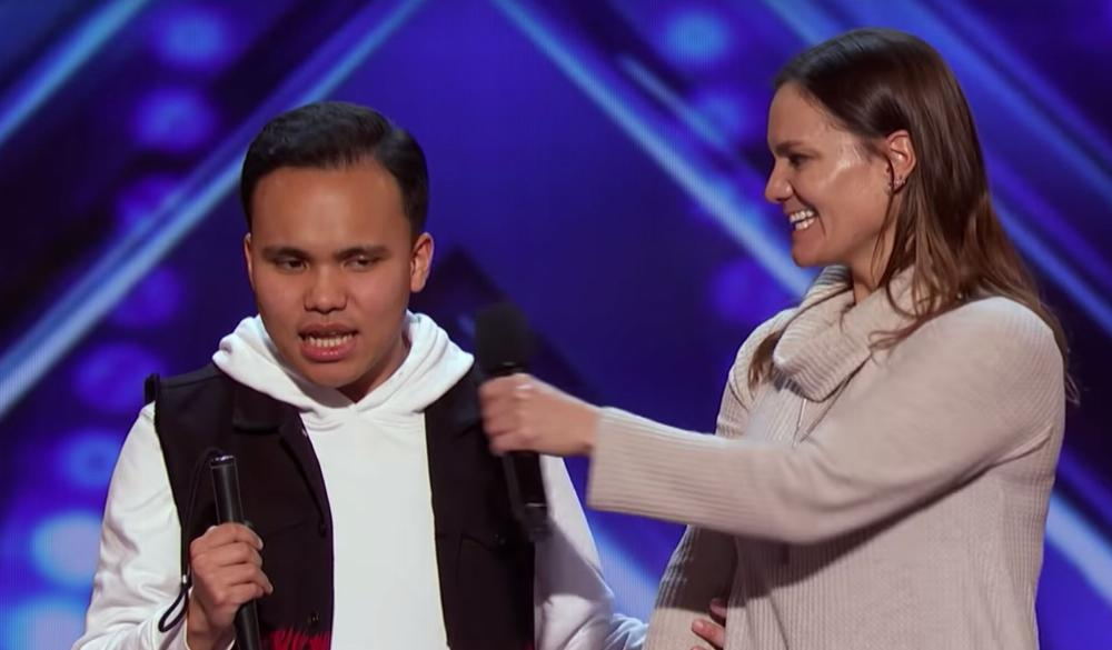 Kodi Lee From AGT Is No Stranger To Performing Live [VIDEO]